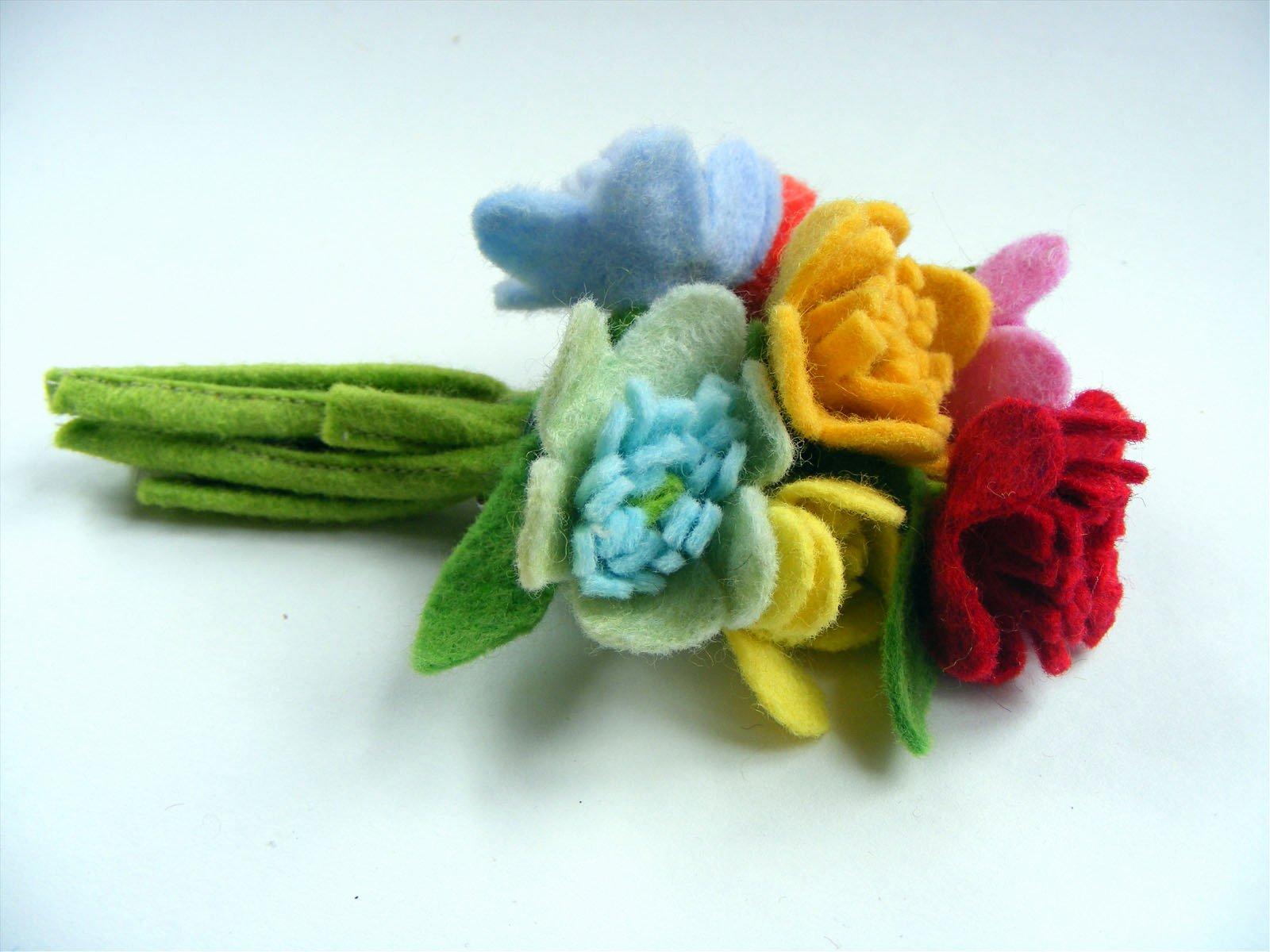 felt flower corsage pattern
